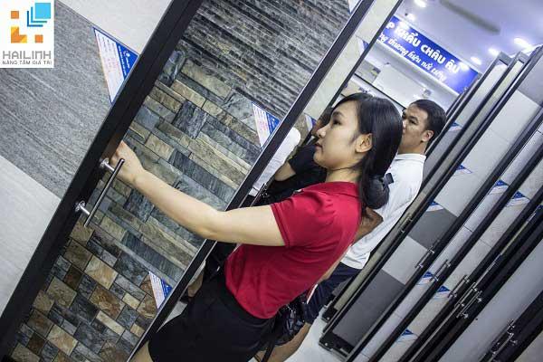 Showroom-Hai-Linh-532-Duong-Lang (1)