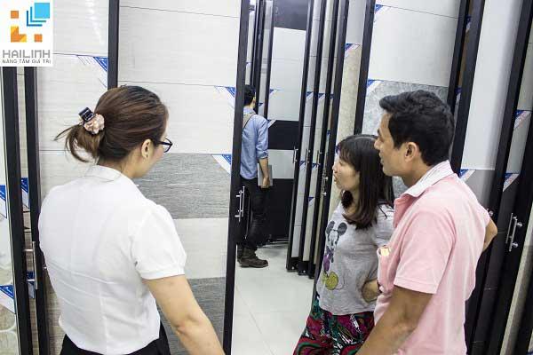 532 Đường Láng - Địa chỉ mua gạch lát nền ở Hà Nội đón tiếp lượng lớn khách mỗi ngày