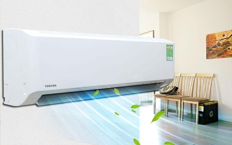 Mở điều hòa hoặc máy hút ẩm liên tục